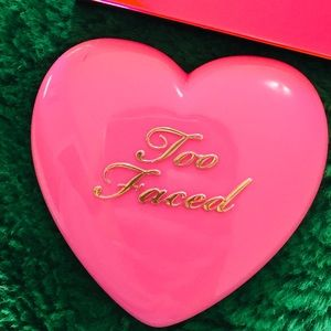 Too Faced Blush.